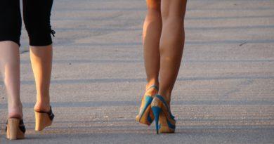 Boty s geometrickými podpatky. Jaké stojí za hřích