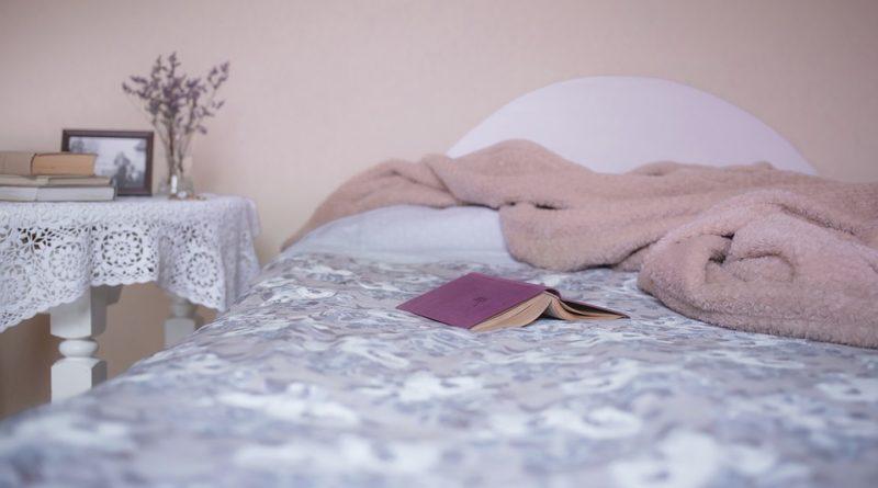 Drobnosti, které dělají ložnici příjemným místem