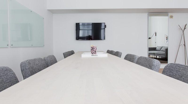 Materiály, ze kterých se vyrábí kancelářské židle