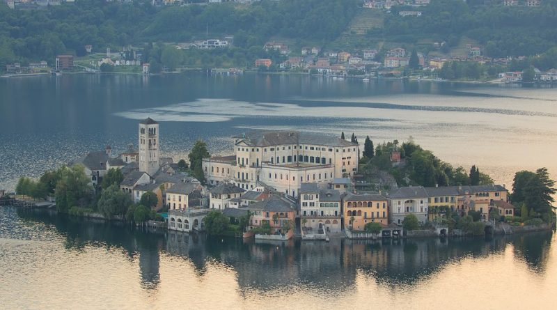 Navštivte jedno z jezerních měst, které vám vezme dech
