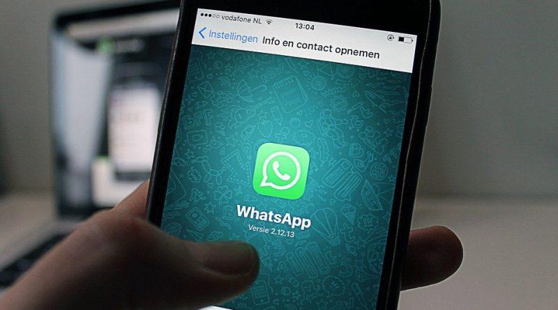 Používáte WhatsApp? Jaké podmínky budete muset odsouhlasit?