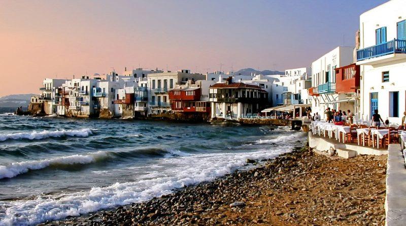 Řecko je letos oblíbené. Zamiřte i vy na jeden z nejkrásnějších řeckých ostrovů