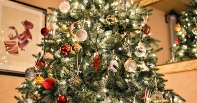 Umělý vánoční strom